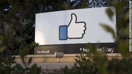 Facebook posts record $6.9 billion profit despite privacy scandals