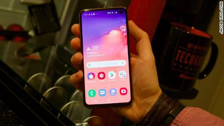 The Samsung Galaxy S10e is the Galaxy phone for everyone