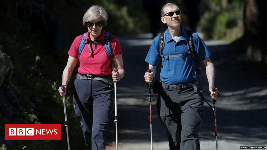 Theresa May 'not considering election' on walking break, says No 10