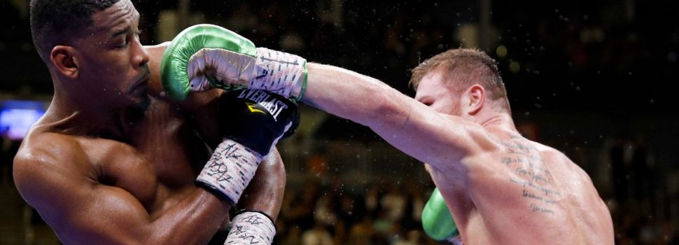 Canelo Alvarez Edges Jacobs in Cinco de Mayo Middleweight Title Fight