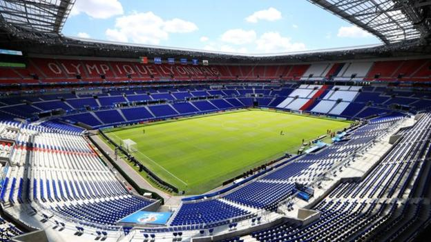 The Stade de Lyon has a capacity of 59,000