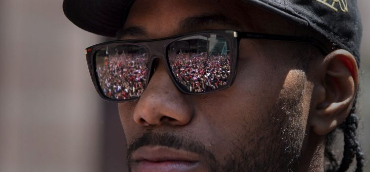 Finals MVP Leonard Mum on Future as Raptors Celebrate with Parade