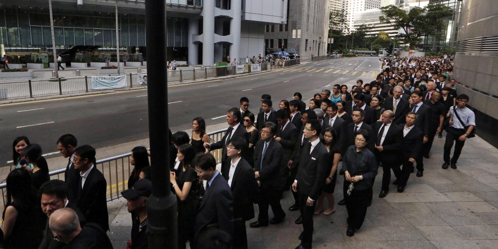 Thousands of Hong Kong Lawyers Held a Silent March Urging its Government to Safeguard its Independence