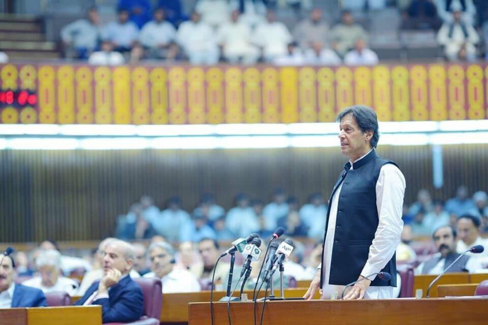 PM Khan Vows to Challenge at the UN Security Council India's Decision to Strip Kashmir of Its Autonomy