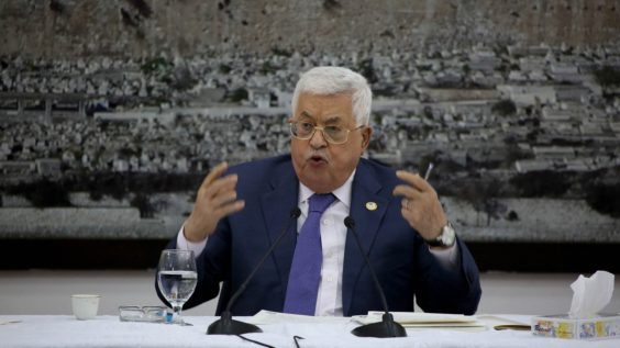 Palestinian Factions Express Outrage Over Abbas for Meeting with Israeli Politicians