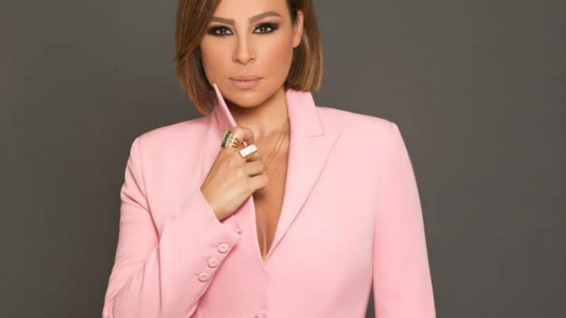 "Carole Samaha Participated in Singing ""Arab 501"" Operetta for the First Time Alongside Mohamed Abdo and Kathem Al Saher"