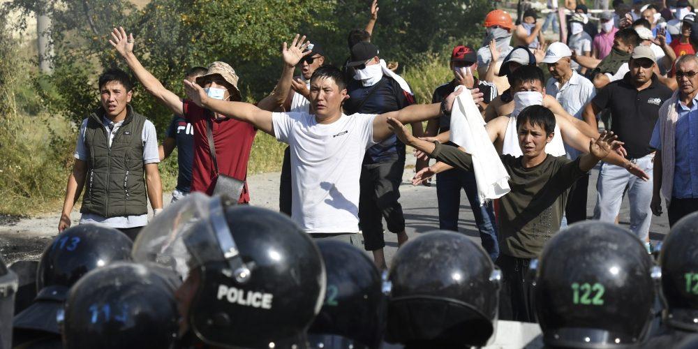 Kyrgyzstan Detains Former President Almazbek Atambayev After a Bloody Raid