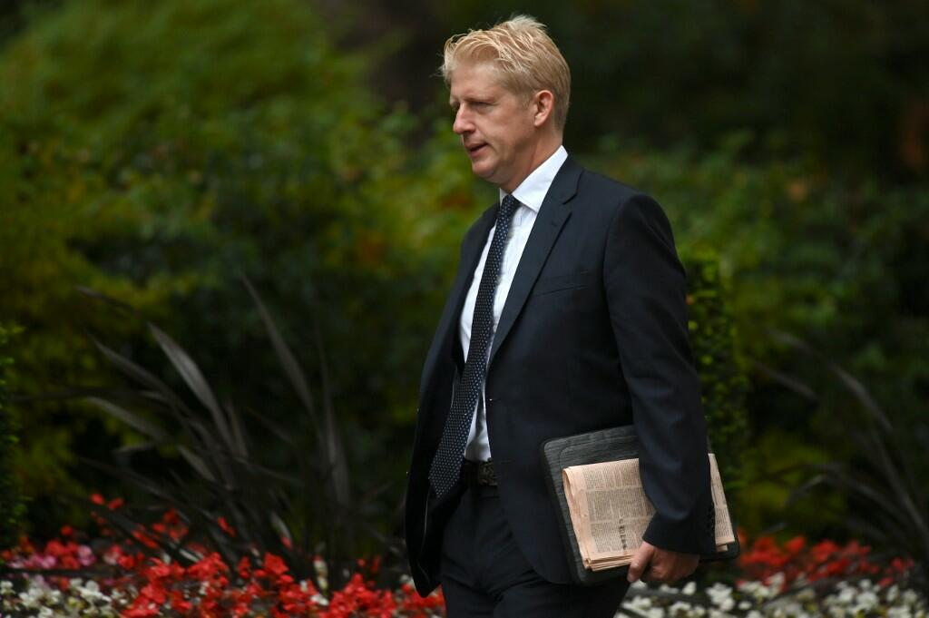 Britain PM's Brother Jo Johnson Quits Amidst Brexit Crisis