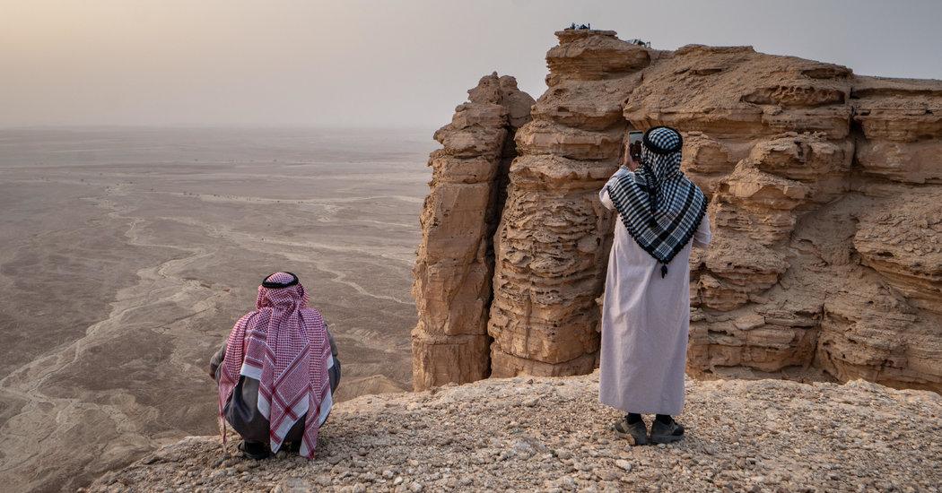 Influencers Face Criticism for Saudi Arabia Travel #Ads