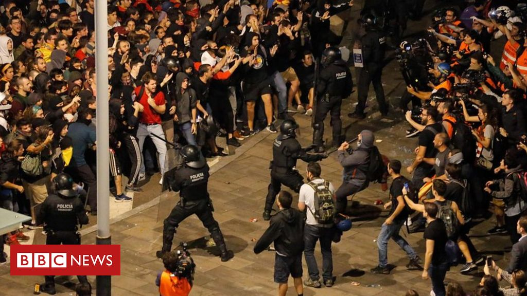 Clashes Erupt as Catalan Independence Protesters Block Airport
