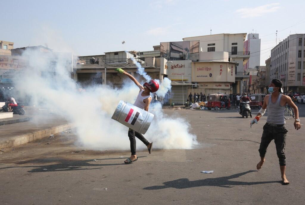 Iraqi Police Use Live Fire Against Protesters in Baghdad