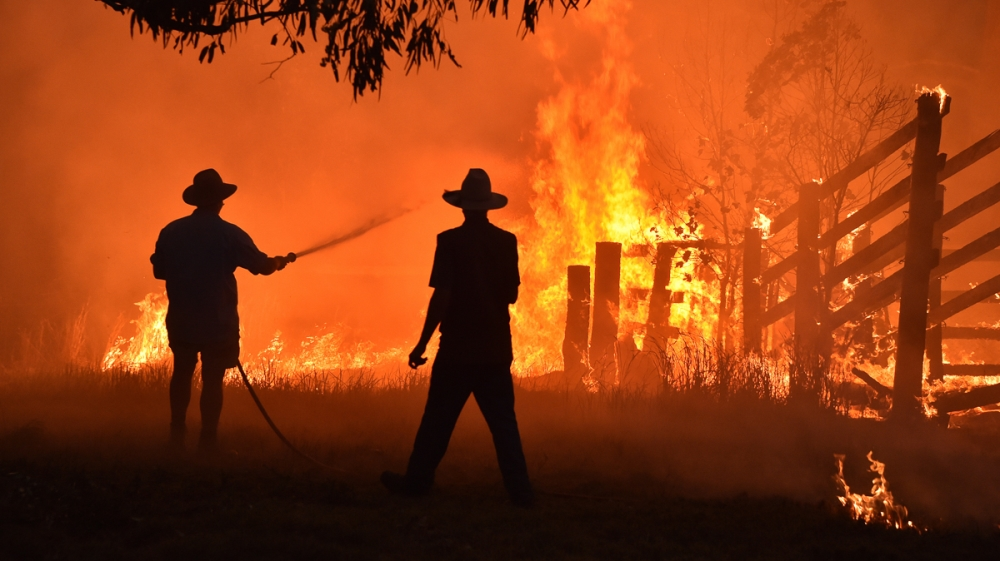 Australian Officials Order Residents and Tourists To Flee Raging Wildfires