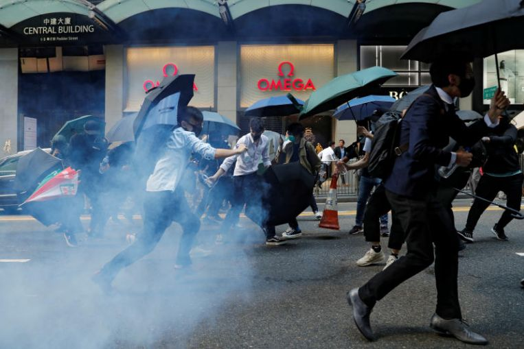 US Condemns Latest Hong Kong Violence, Urges Both Sides to De-escalate