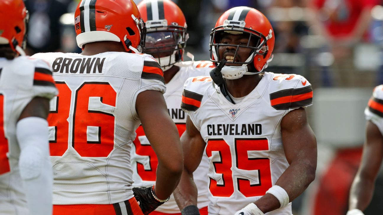 Browns Waive Whitehead After Threatening Posts