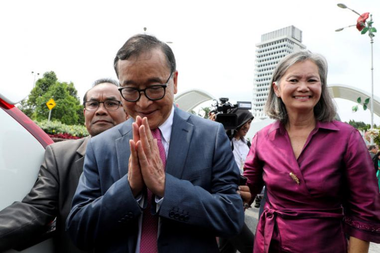 Cambodia's Self-exiled Opposition Veteran Meets Malaysian MPs in Democracy Push